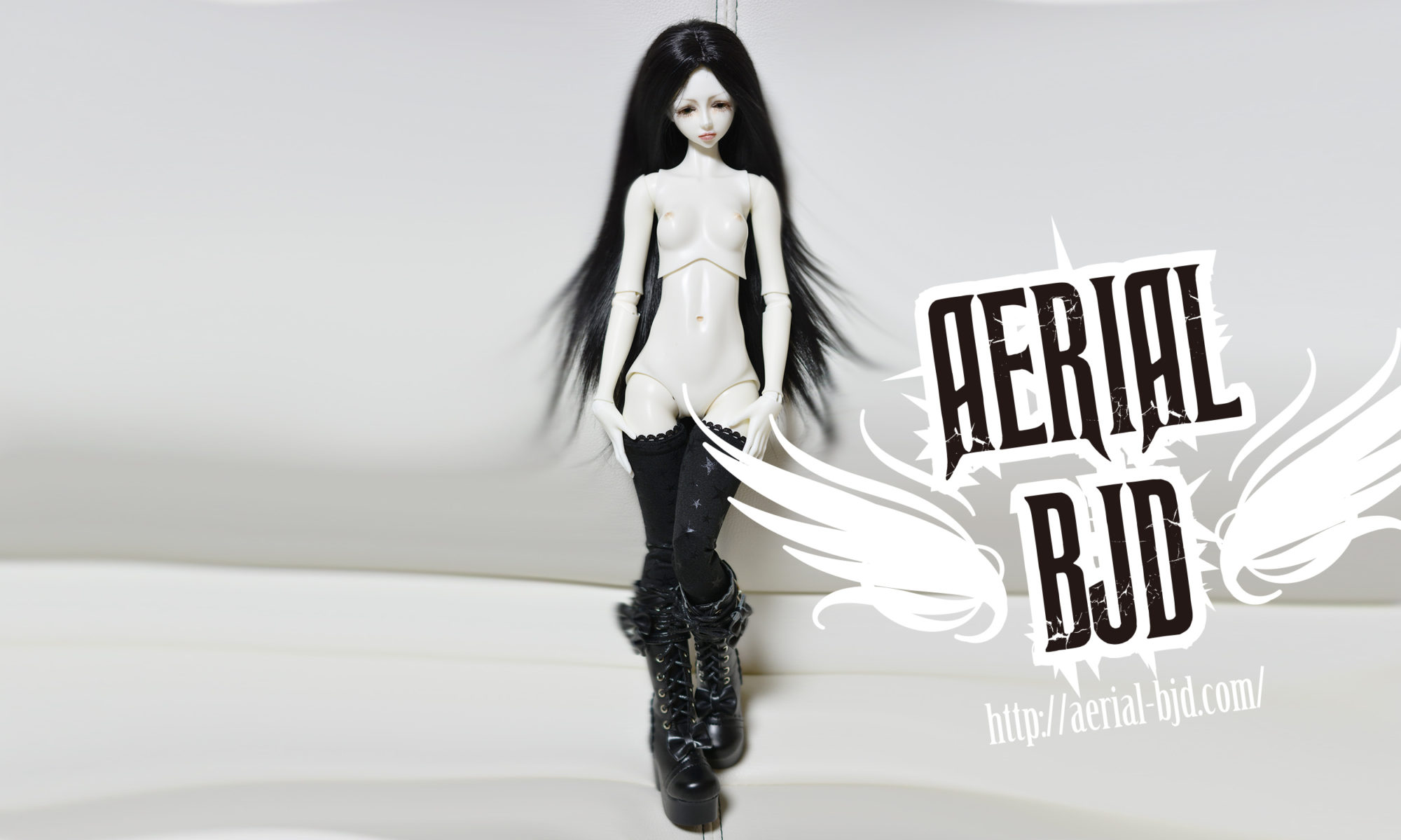 AERIALBJD White Aaliyah Background Image